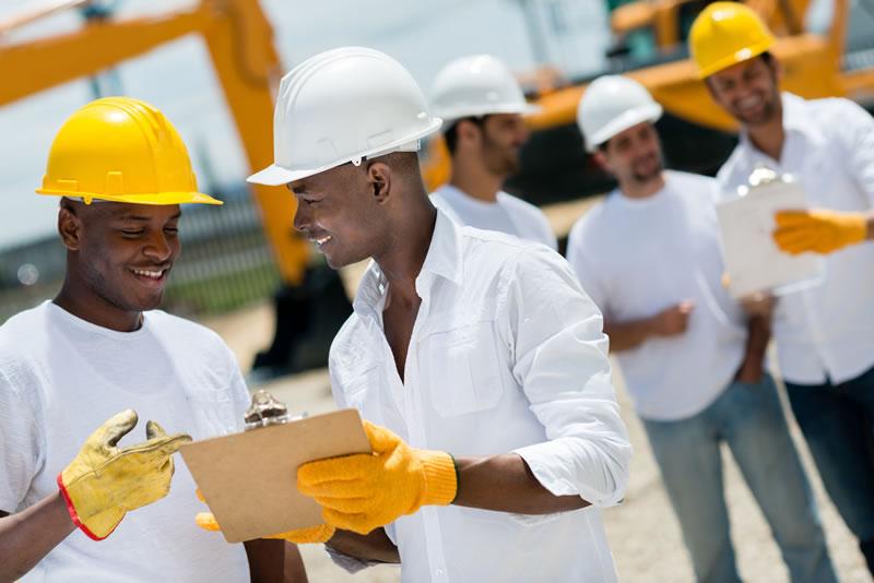 El Comité Paritario en Seguridad y Salud en el Trabajo debe estudiar y considerar las sugerencias que presenten los trabajadores