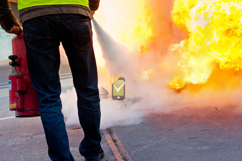 Todo centro de trabajo y vehículo debe contar con extinguidores de incendio